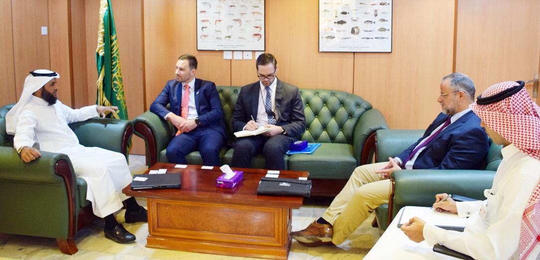 الرئيس التنفيذي للبرنامج الوطني لتطوير الثروة السمكية يستقبل معالي السفير النيوزلندي