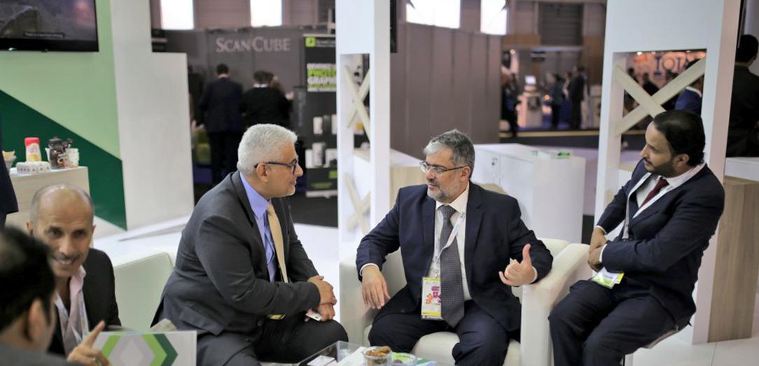 سعادة وكيل الوزارة للزراعة يفتتح معرض الجمعية السعودية للاستزراع المائي المشارك ضمن الجناح السعودي في معرض سيال 2018 في العاصمة الفرنسية باريس